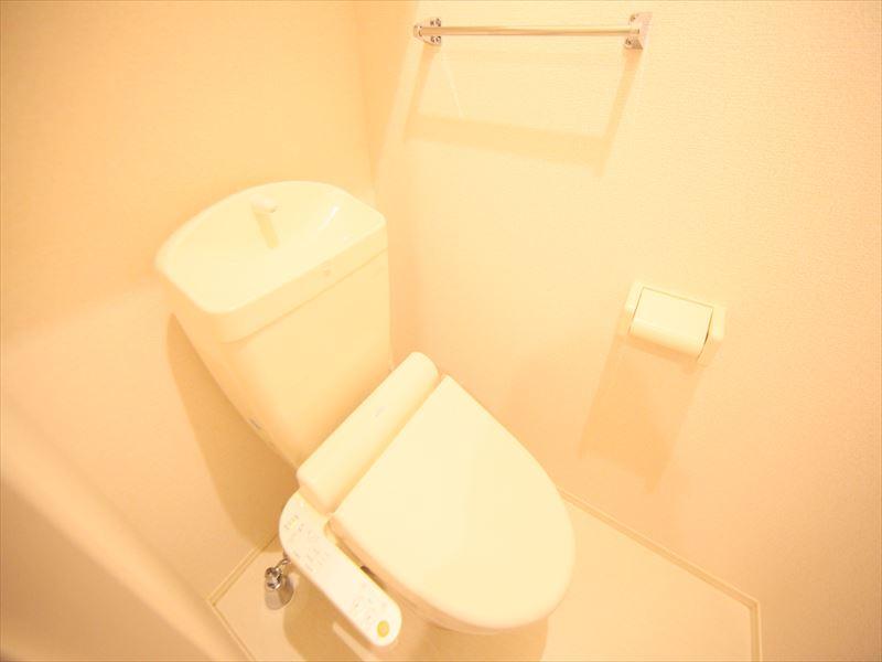 類似物件トイレ ウォシュレット付