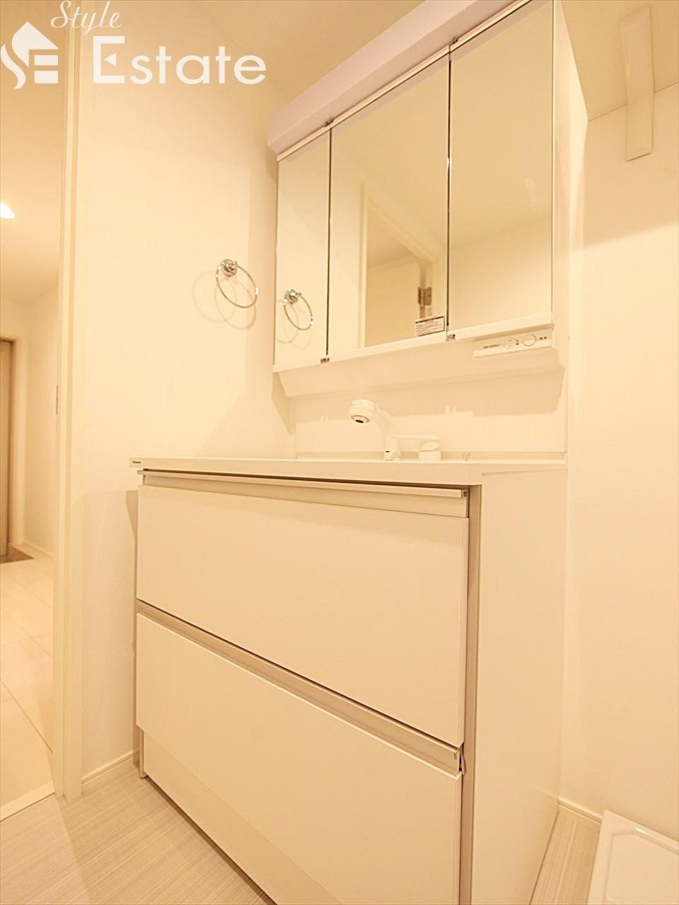 洗面所 シャワー付化粧台