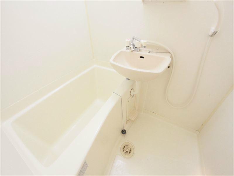 同タイプバスルーム 洗面台付き
